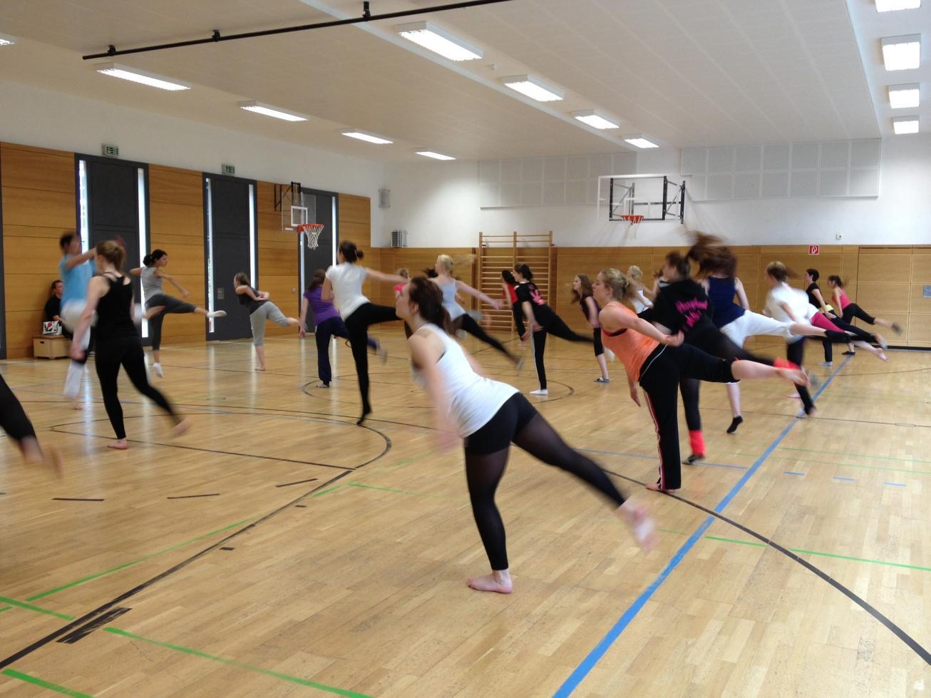 Neue Jazz- and Modern-Dance Turniermannschaft